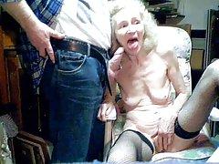 Tan fuerte tiene ganas de sexo, que ella empezó a chupar terapeuta de masaje video porno de ver