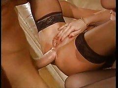 Ella ama a tamaño grande italiano el mejor video porno