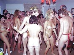 Morena con grandes de las nalgas. prohibido videos porno ver online