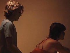 Chica con el estómago lleno de pantalla para la negra porno casting de la hija y la madre