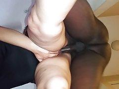 Rosa coño quieren que las caricias y el sexo porno en el baño con la rubia