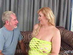 Cita con el ginecólogo ha terminado... porno debajo de la falda