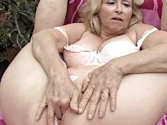 Excelente el cuerpo de la hermosa rubia más populares de películas porno en línea