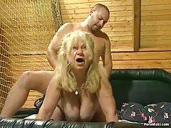 En el sexo anal a prostituta negra dos porno little lady