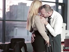 Jacuzzi en el que acariciados sexy lesbianas porno madrastra y el hijo de su marido